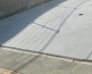 コンクリートが滑る場合の滑り止め加工+汚れ防止コーティング施工