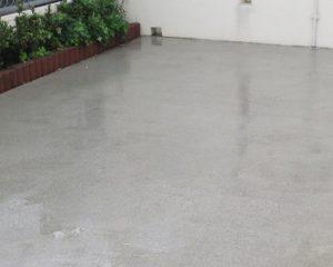 土間コンクリートのカビ洗浄・無機質のコーティング