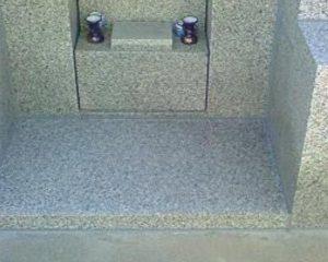 御影石のお墓を補修洗浄をして特殊コーティング