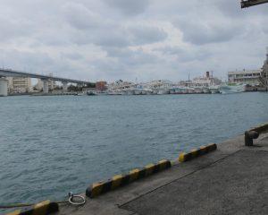 フジツボガードの宣伝で沖縄那覇漁港へ