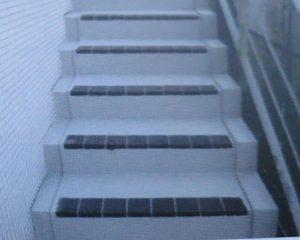 沖縄用コートでコーティング施工したコンクリート階段