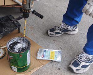 船底塗料は水和分解型によーく混ぜて下さい。