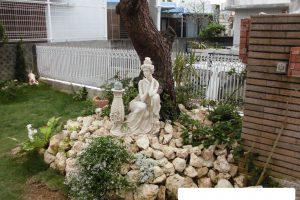 お庭の琉球石灰岩のアレジメント