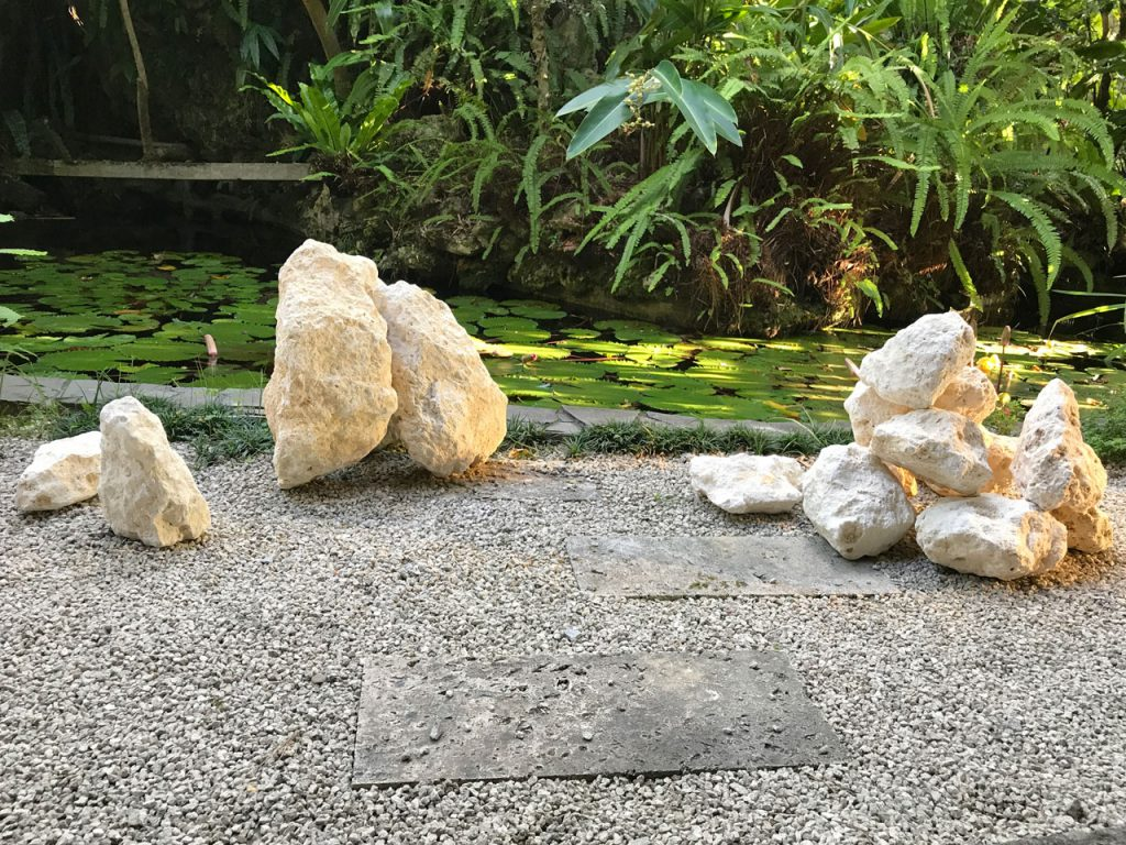 琉球石灰岩アレンジメント 琉球石灰岩原石のエクステリア坪庭