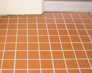 玄関タイル洗浄&特殊コーティング施工すると美観が保てます。