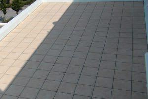 外装床タイルの防カビ特殊施工