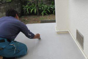 犬走り(家の周りの土間)のコンクリートクラック(ひび割れ)補修と再発防止