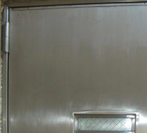 錆びたステンレスドアの修復&特殊コーティング