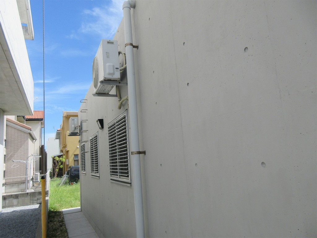 打ちっぱなしコンクリートの風合いが蘇り美観も維持します。