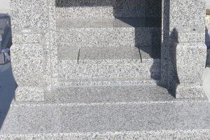 建立されたお墓の御影石コーティング施工