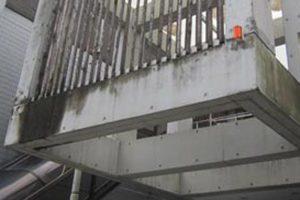 コンクリートに水が浸透することは、塩害劣化で鋼材の腐食が加速することになる